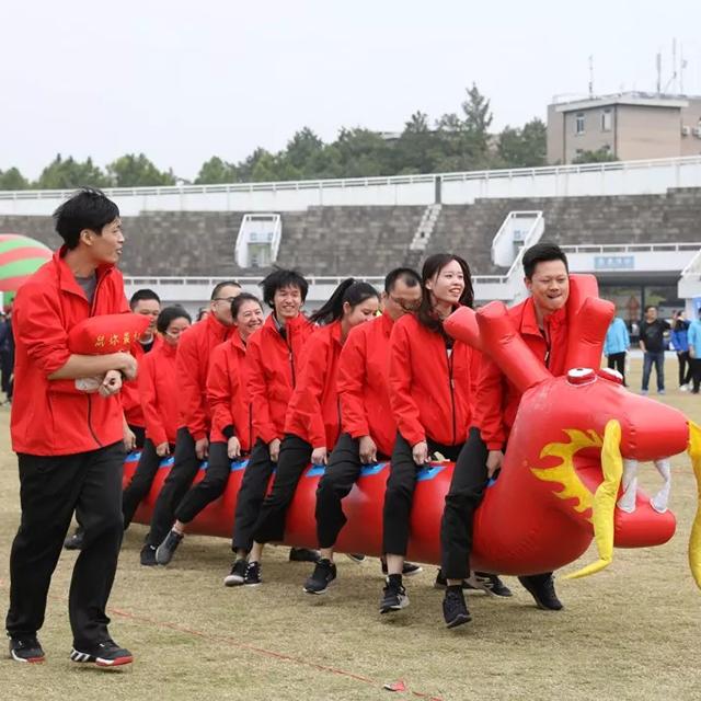 团队比赛需要定制运动服,运动服定制厂家哪家好?
